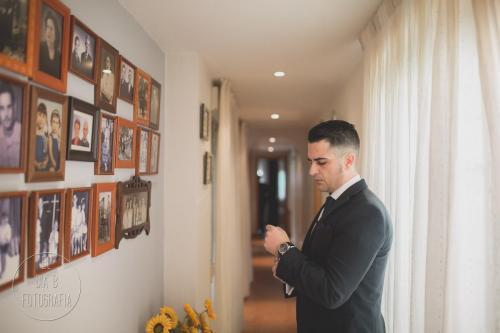 Foto del novio listo para casarse
