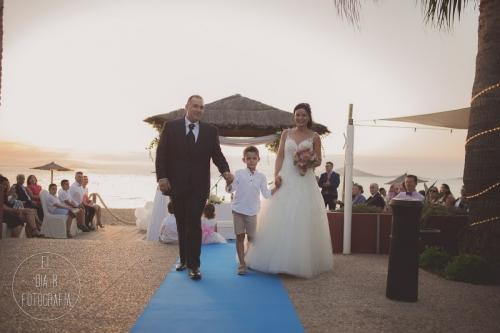 boda-en-la-playa-al-atardecer-fotografo-de-bodas-en-murcia-y-cartagena-31
