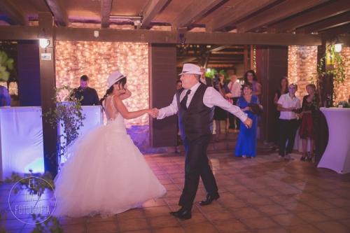 boda-en-la-playa-al-atardecer-fotografo-de-bodas-en-murcia-y-cartagena-61