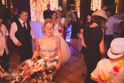 boda-en-la-playa-al-atardecer-fotografo-de-bodas-en-murcia-y-cartagena-64